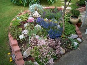 Jak vytvořit skalku na zahradě