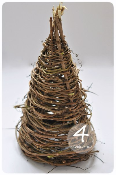 Creative-Ideas-DIY-Gorgeous-Christmas-Tree-from-Tree-Branches-5