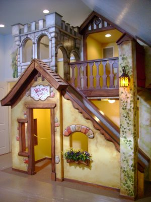 4-under-stairs-playhouse