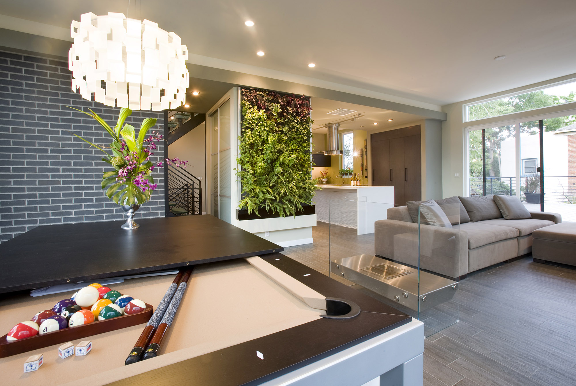 wall-green-room-interior