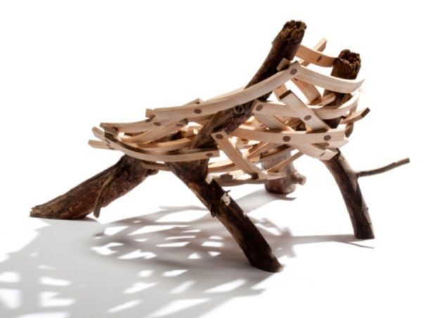 Nest-shaped-chair-made-of-Rough-Wood