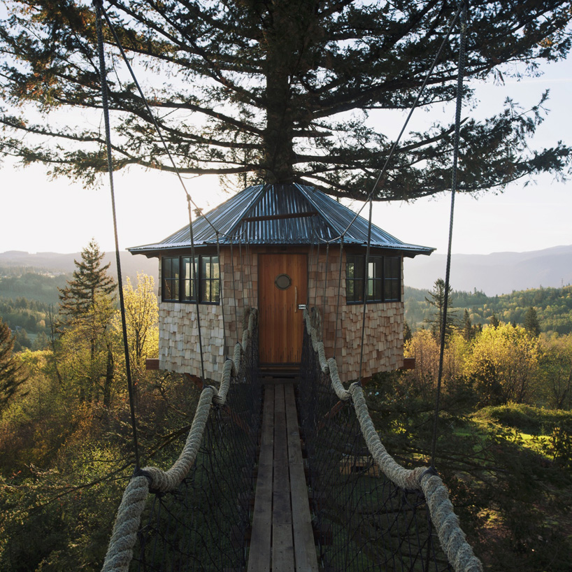 the-cinder-cone-treehouse-skatebowl-foster-huntington-designboom-02