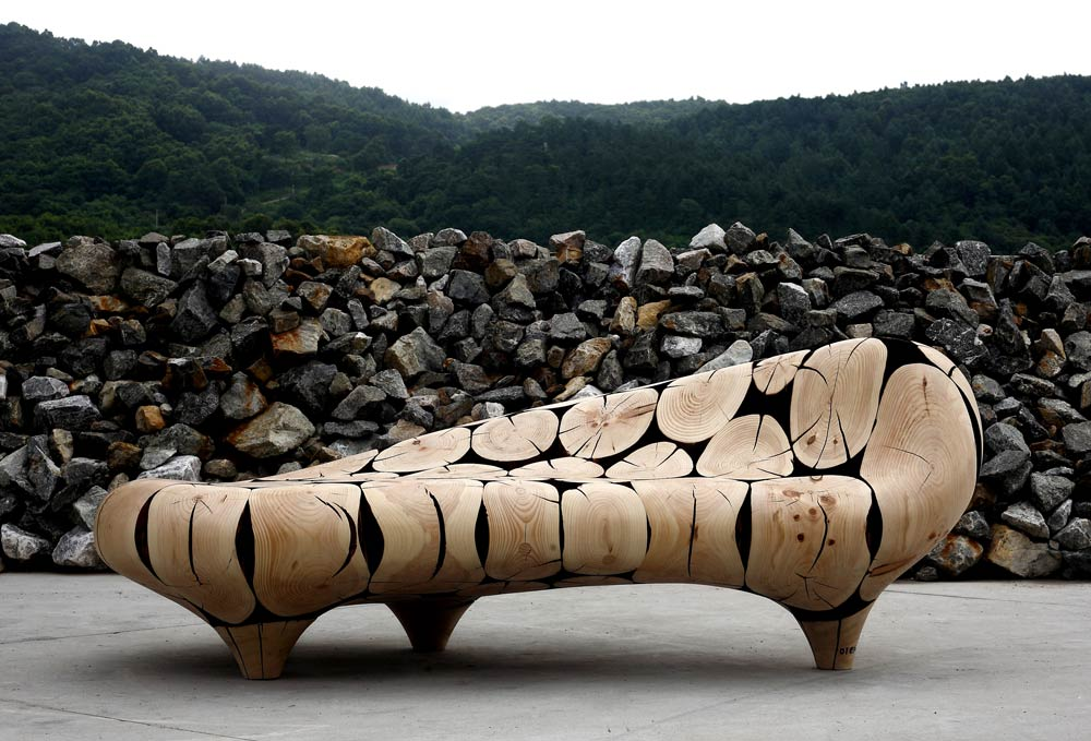 Chaise-Longue-in-Coulter-Pine-Wood-Log-Cross-Sections-by-Jaehyo-Lee