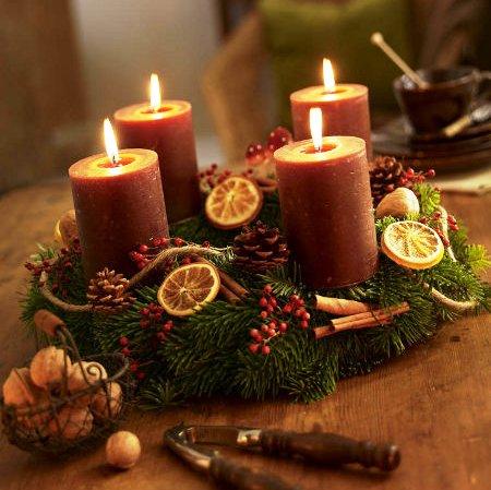 Adventní věnec zapalování svíček